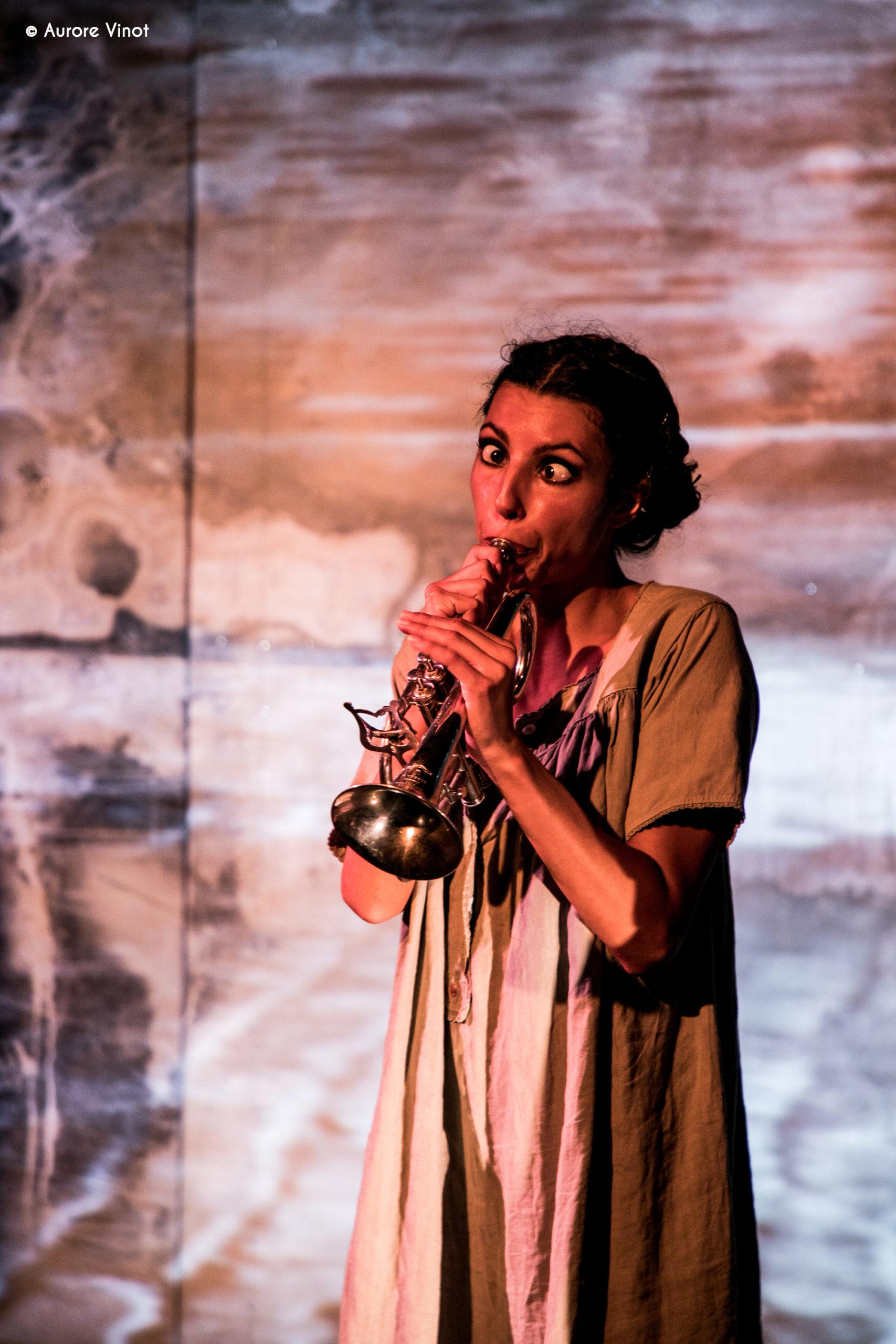 Joséphine Baker interprété par Clarisse Caplan au Théâtre de la Scène Parisienne mise en scène Xavier Durringer